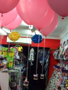 17in Floating Balloons with Chocolate Gift Box